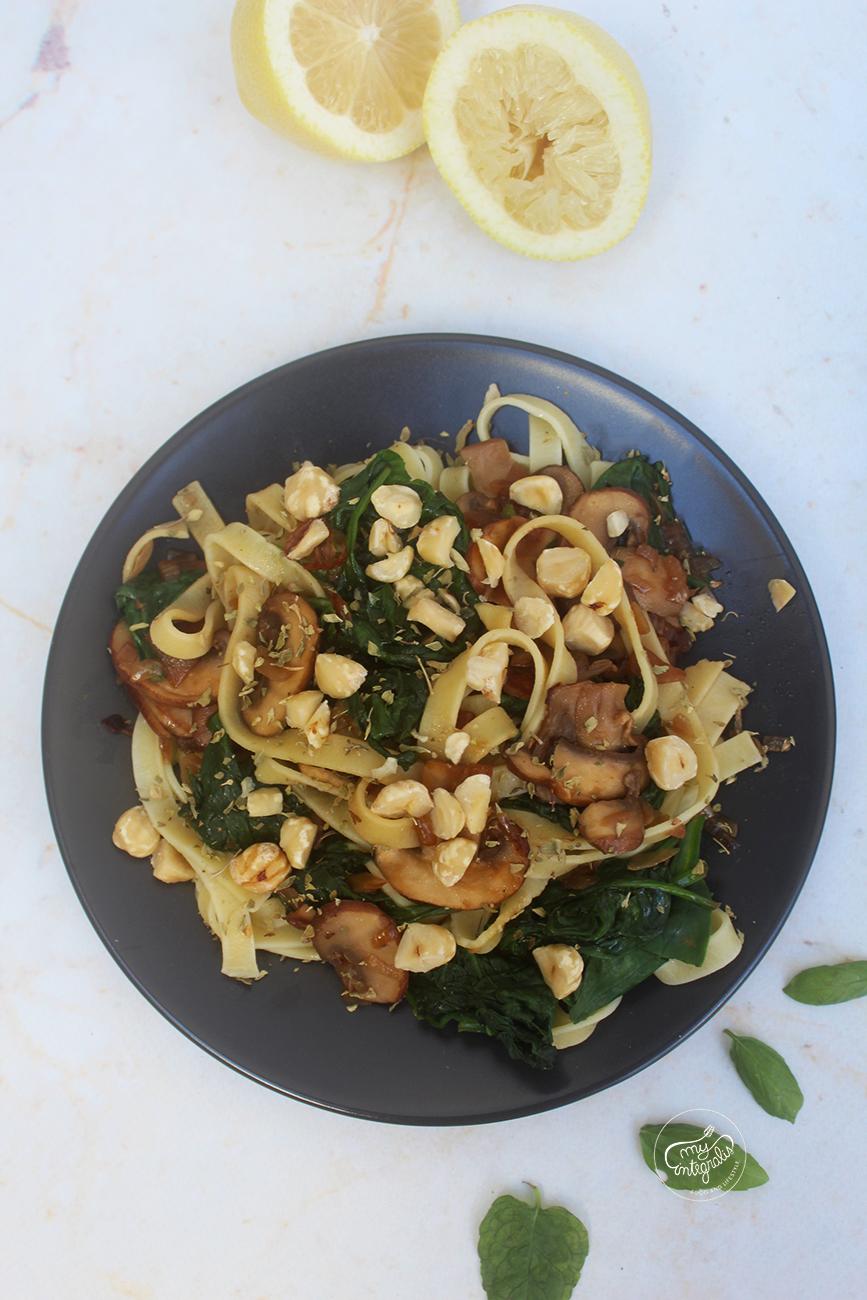Tagliatelle com cogumelos e espinafres - myintegralis